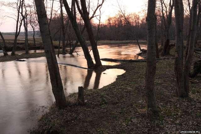весна на малой реке