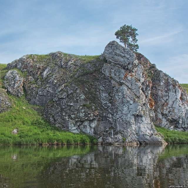 Скальные выходы на берегу Чусовой