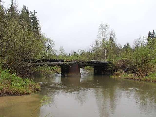 Мост неподалёку от устья-