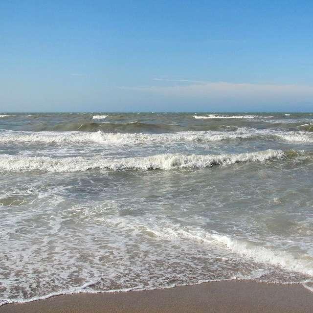 озеро Каспийское море