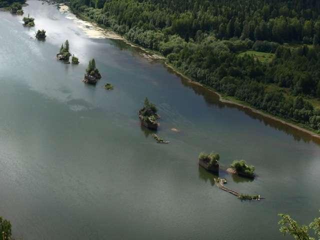Искусственные острова близ Красновишерска фото