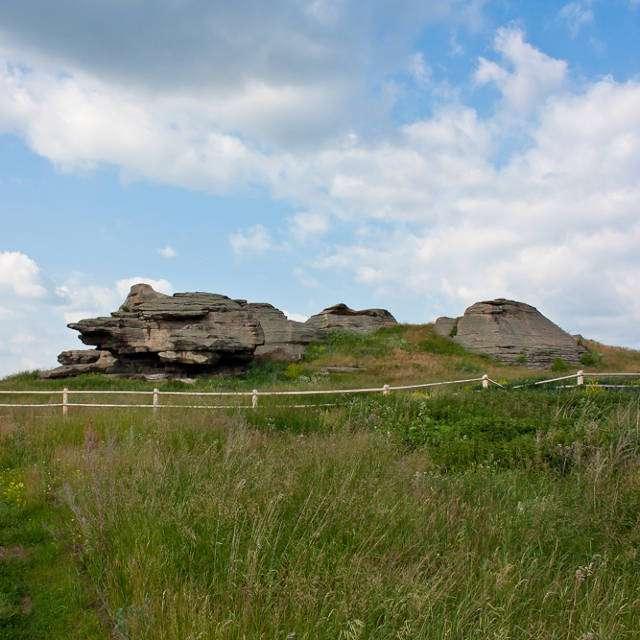 Каменные палатки фото